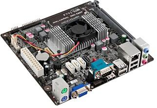 Intel gir opp produksjon av hovedkort