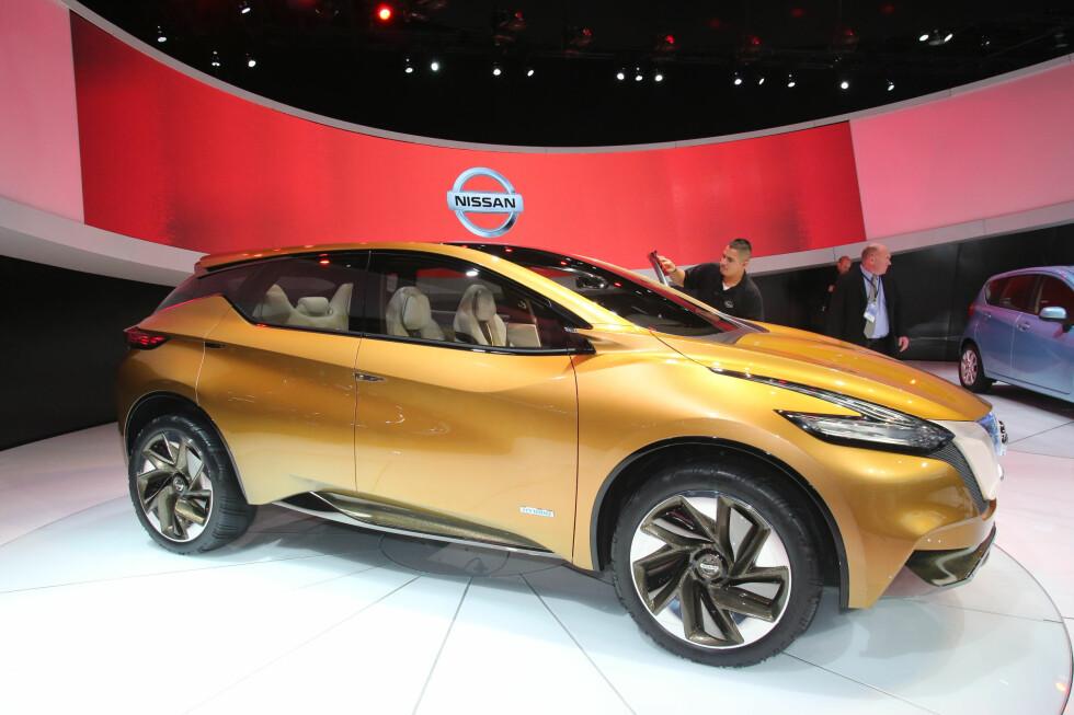 Nissan er spesialister på crossover-trender, noe de tidligere har vist med store Murano (lite kjent hos oss), Qashqai (meget kjent hos oss), og kompakte og vågalt designede Juke. Derfor kan vi regne med at denne konseptbilen, Nissan Resonance, er her for å fortelle oss noe. Foto: Newspress