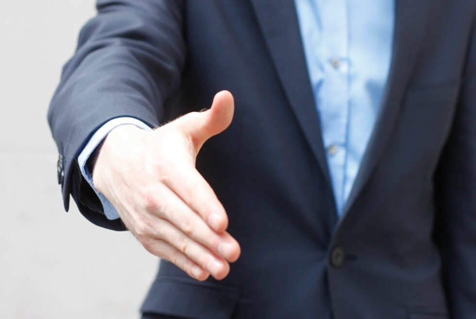 Ikke takk ja til jobbtilbudet før du har full kontroll på hva du vil få i lønn og pensjon. Husk at pensjon også er lønn. Bruk det for det for alt det er verdt når du skal forhandle med din nye arbeidsgiver. Foto: Colorbox