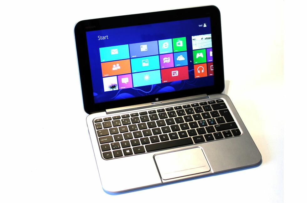 HP Envy X2 er både PC og nettbrett- i ett. Og du kan kjøre gamle Windows-programmer på den. Foto: Bjørn Eirik Loftås