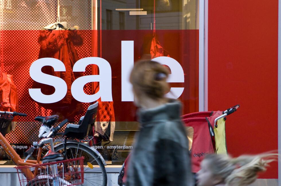 Januarsalget utgår: Det er kanskje billig med salg, men det er jo enda billigere å la være.  Foto: Colourbox