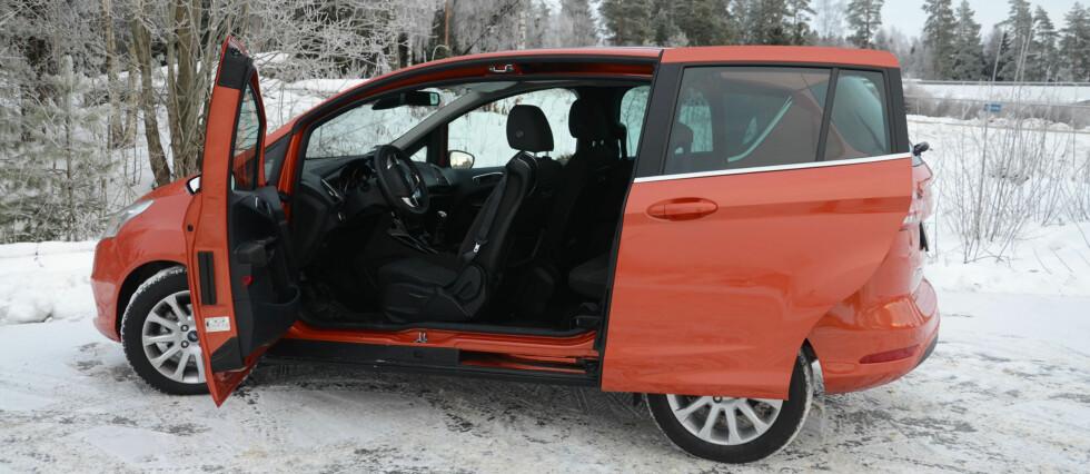 Dørløsningen er det mest karakteristiske ved B-Max, men den har mer på lager Foto: Cato Steinsvåg
