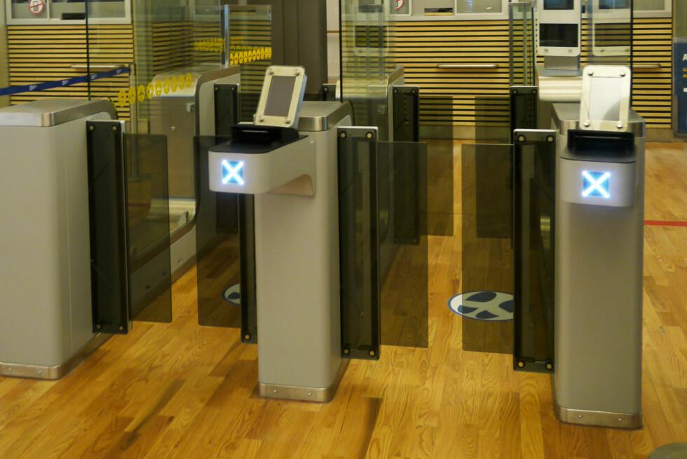 EasyPass kalles det nye automatiske passkontrollsystemet som ble tatt i bruk på Gardermoen 17. desember. Foto: OSL