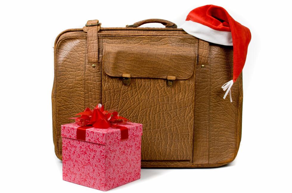 Julegaver bør sjekkes inn, ikke legges i håndbagasjen. Foto: Colourbox.com
