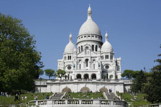 Frankrike er verdens mest populære ferieland. Her: Sacre Coeur-kirken i Paris.  Foto: Colourbox