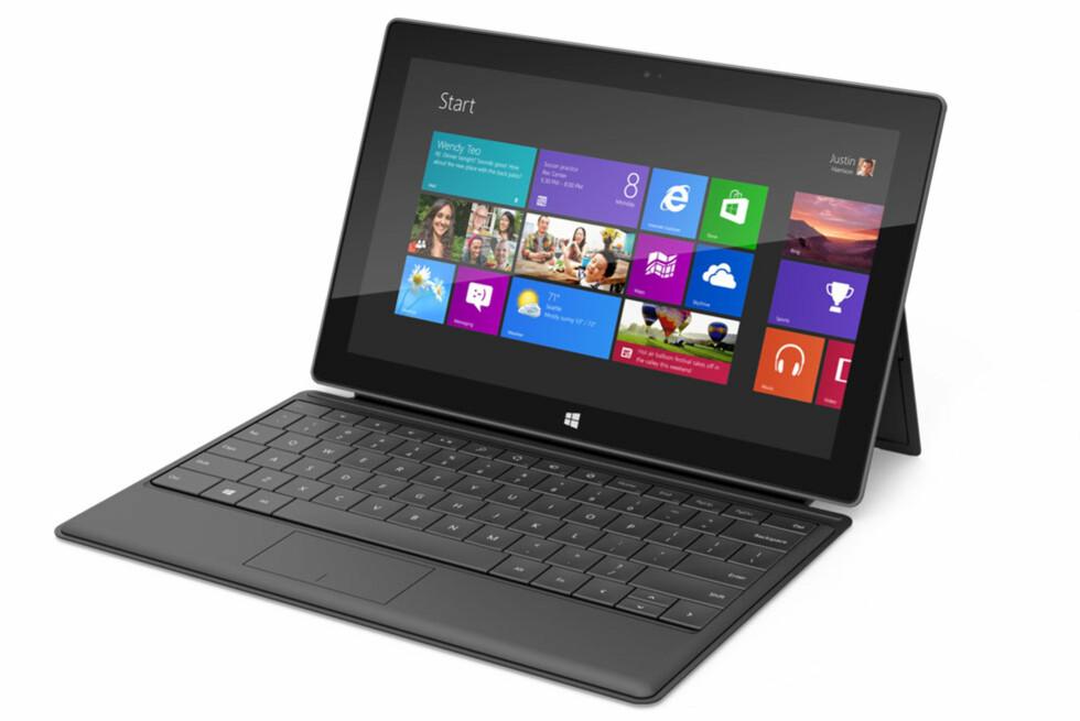 Den nye utgaven av Microsoft Surface er som snytt ut av Intels visjoner om å lage nettbrett med full PC-funksjonalitet. Her med omslaget som også er et flatt tastatur. Foto: Microsoft
