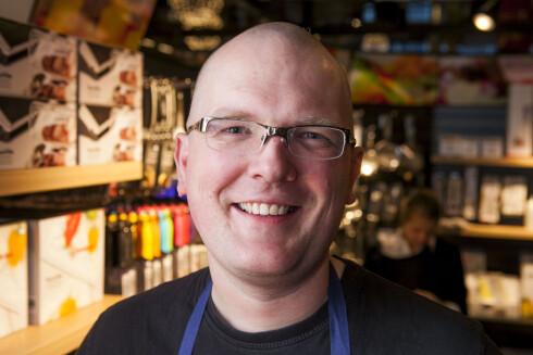 Olav Birkeland, alias Hobbykokken, er en ivrig tilghenger av å lage mat i trykkoker. Foto: PER ERVLAND: