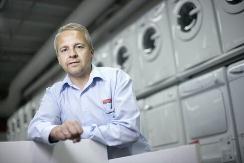 Administrerende direktør i Lefdal, Trond Samuelsen, sier til DinSide at butikkene nå skal ha korrekt merking av alle produkter. Foto: Lefdal