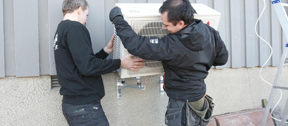 HUSK SERTIFISERING: 1. september 2013 blir det ulovlig å installere, reparere eller demontere varmepumper uten sertifisering. Bryter du forskriften, risikerer du bøter og fengsel. Foto: Miba AS