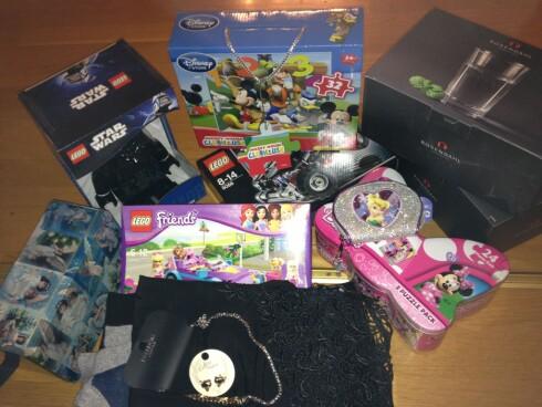 FANGST 2: Det ble 8-10 gaver og noen til journalisten selv.  Foto: Berit Njarga
