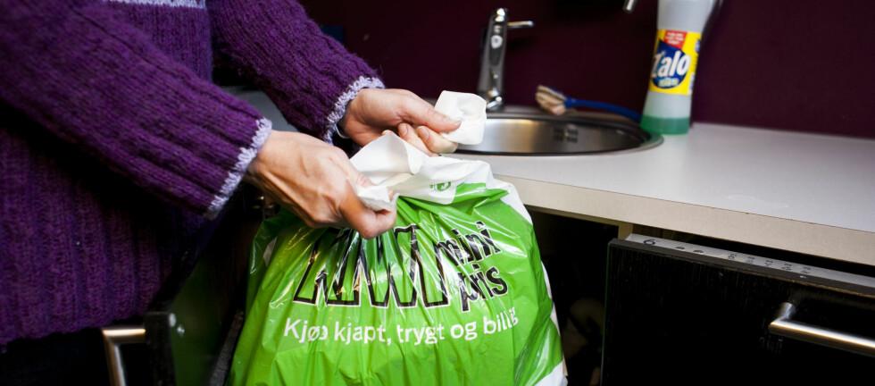 GRØNT ER IKKE BARE GRØNT: Sorteringsroboten til Oslo kommune lar seg ikke lure - den kan skille grønne Kiwi-poser fra grønne matavfallsposer. Foto: Per Ervland