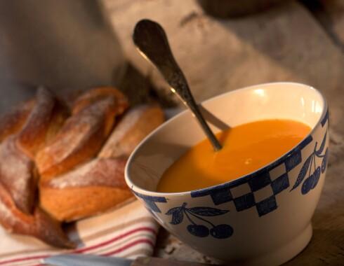 Fryser du ned små porsjoner med suppe, har du klar middag på fem minutter.  Foto: Colourbox