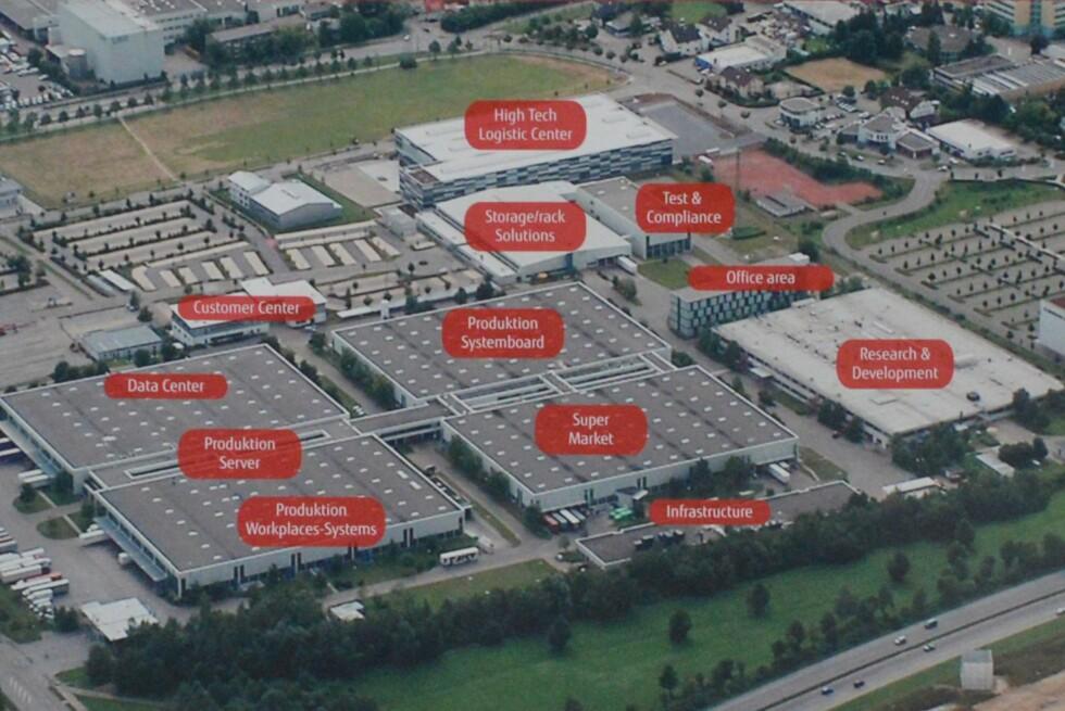 Oversiktsbilde av Fujitsus fabrikkanlegg i Augsburg utenfor München. Foto: Brynjulf Blix