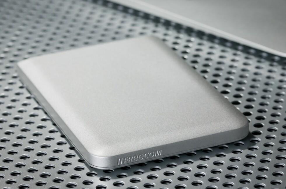 Mobile Drive Mg har en design som går hånd i hanske med Mac-en. Foto: Freecom
