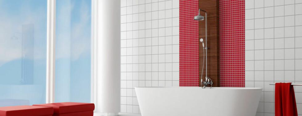 Vegger dekorert med baderomspanel som imiterer fliser. Produktet du ser her kommer fra RBI Interiør AS, og finnes i flere utførelser og farger. Foto: Produsenten