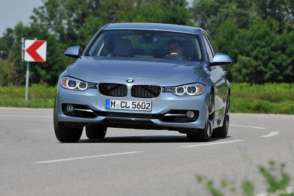 Hybrid eller ikke: Ikke noe å si på kjøredynamikken. Foto: BMW