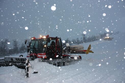 Senterlederen på Bjorli lover fredag at det lørdag blir mer enn syv kilometer alpinløyper som står klare for gjester. Foto: Skisenteret