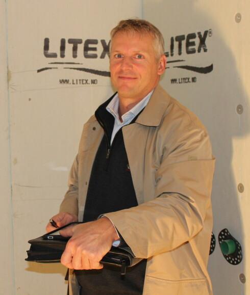 Ifølge Svein Paulsen, prosjektleder i Håndverk 1000 er det ikke bare viktig å sørge for tette bad - god ventilasjon er også essensielt.  Foto: Elisabeth Dalseg