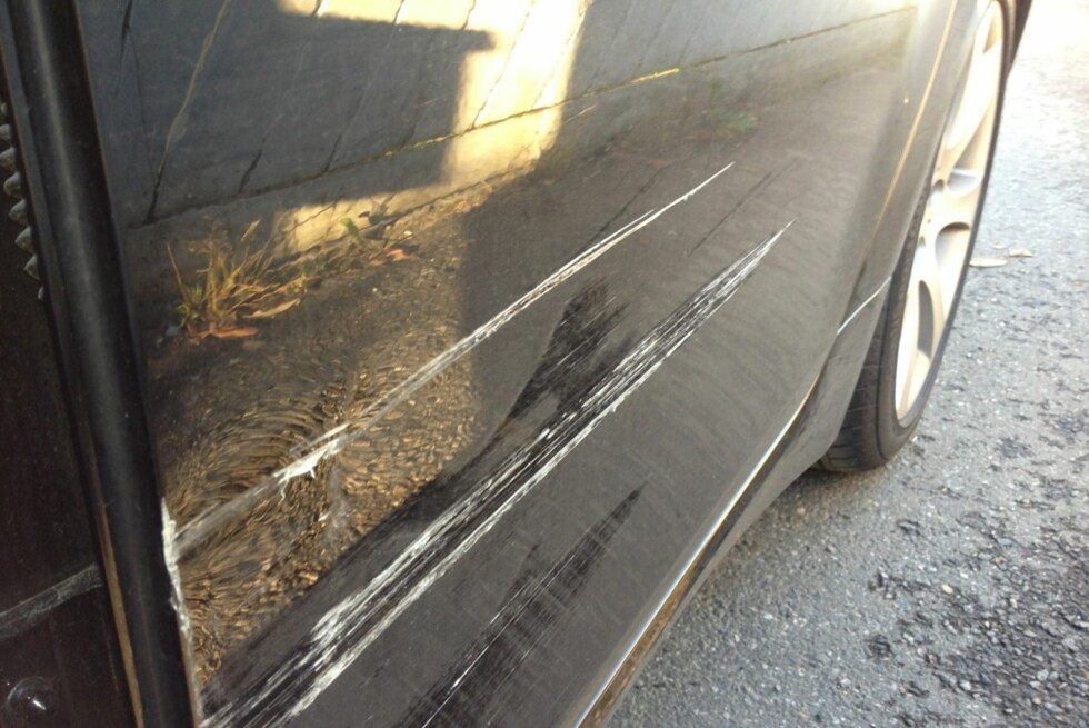 <strong><b>STIKKER AV FRA ANSVARET:</strong></b> Stadig flere stikker av fra ansvaret dersom de bulker eller skader en annen bil som står parkert, hevder forsikringsselskap. Foto: TRYG FORSIKRING