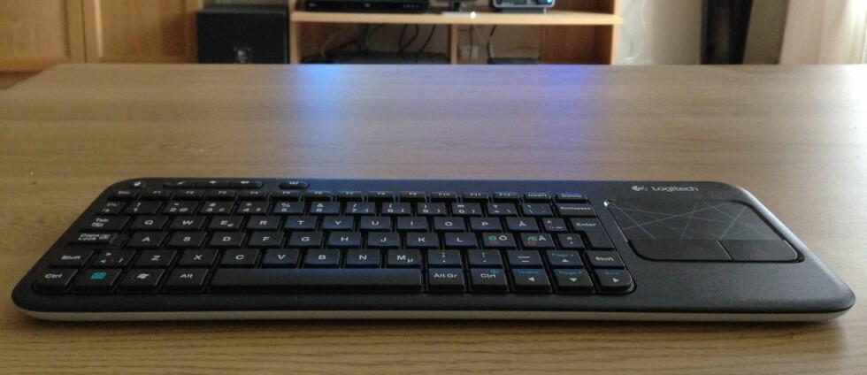 Logitech K400 er et flott tastatur som kan anbefales for deg som har stue-PC. Foto: Bjørn Eirik Loftås