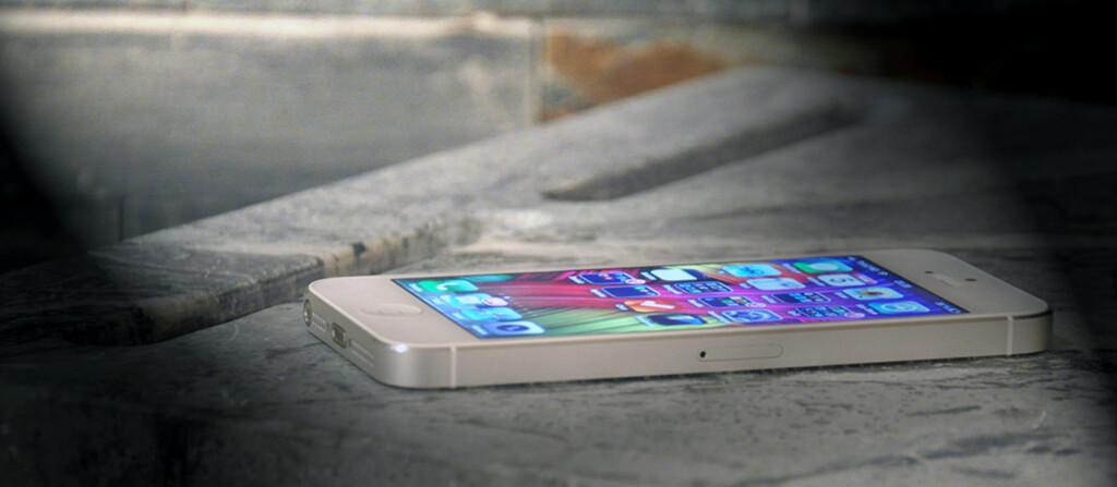 iPhone 5 har blitt større enn forgjengerne og er forbausende lett på tross av størrelsen.