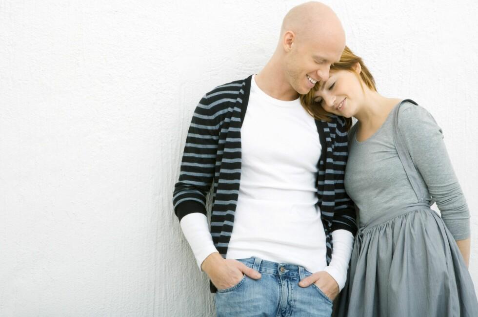 Samboere må regne med litt mer papirarbeid hvis de vil sikre seg samme sikkerhet som gifte. Foto: Foto: Colourbox.com