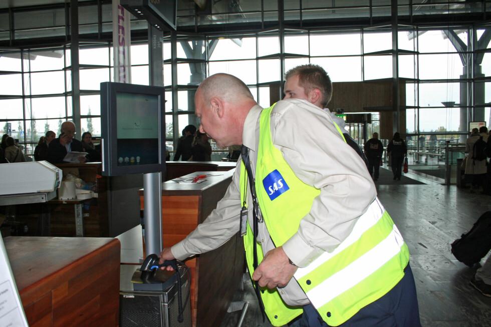 Sliter du med å få til avleveringen av bagasje, er det personell til . Foto: Berit B. Njarga