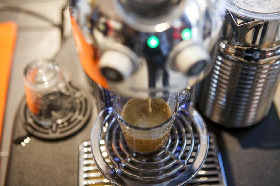 Vi falt for nye Nespresso Grand Maestra, men det er slettes ikke sikkert dette er maskinen for deg. Heldigvis er det mye å velge mellom.  Foto: Per Ervland