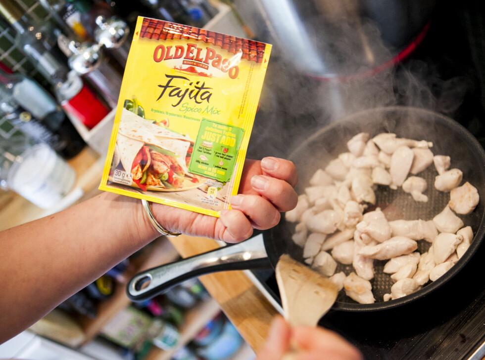 Vi har laget fajitas basert på denne kryddermixen fra OldElPaso. Foto: Per Ervland