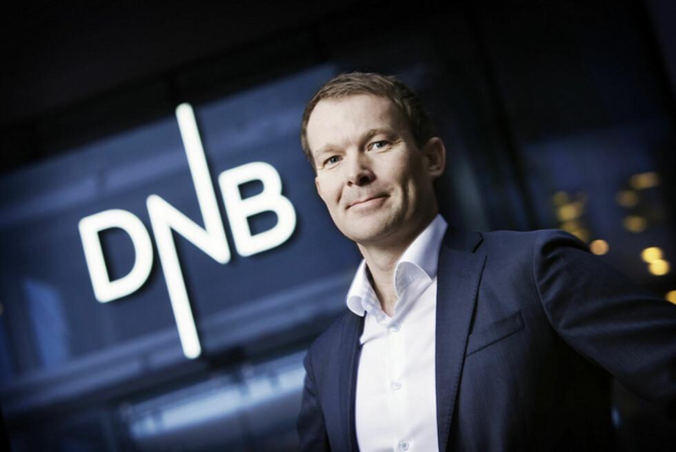 Informasjonsdirektør Thomas Midteide ønsker at nye kolleger har orden i egen økonomi.  Foto: DNB