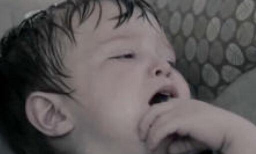image: Hjerteskjærende video viser hvorfor du aldri skal etterlate barn i bilen en varm sommerdag