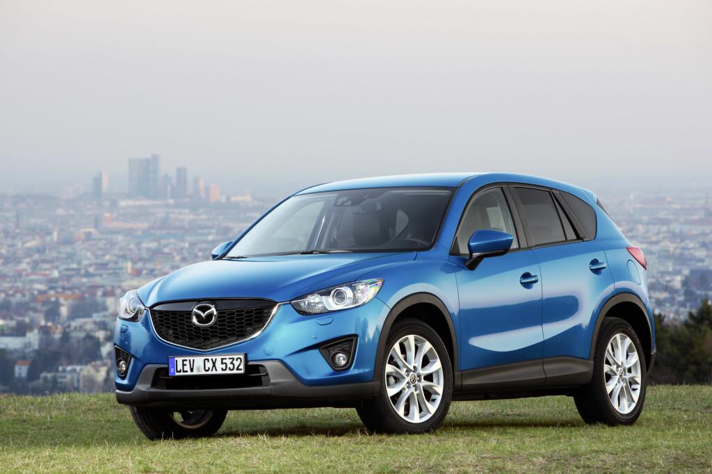 FOR POPULÆR: 2.000 nordmenn venter i dag på å få levert sin Mazda CX-5 - etter vår mening det beste kjøpet i folke-SUV-kategorien på markedet i dag.