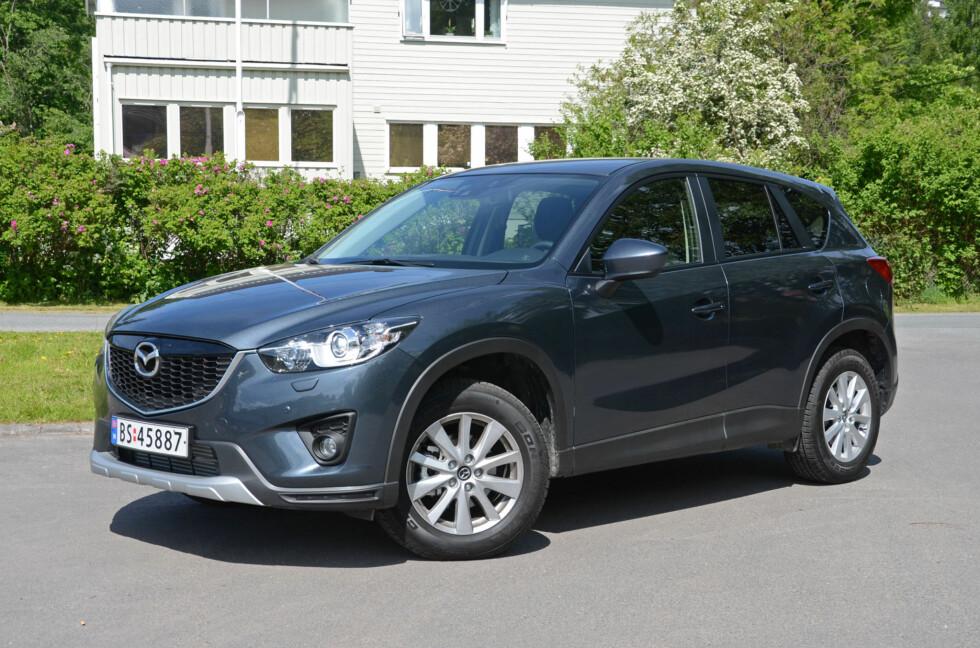 Mazda er tilbake blant markedsvinnerne takket være suksessen CX-5 (bildet), og med en helt ny Mazda 6 for døren ser det lysere ut. Også Nissan gjør det bra, takket være elbilen Leaf og Kia og Subaru fortsetter å ligge høyest blant topp-20-merkene når det gjelder vekst. Foto: Cato Steinsvåg