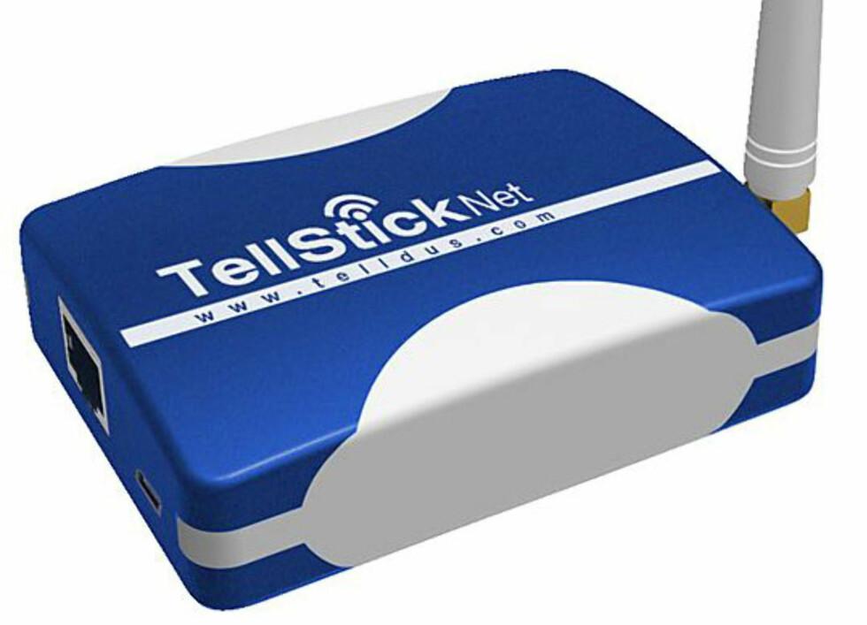 Med TellStick Net styrer du lyset via internett. Foto: Clas Ohlson