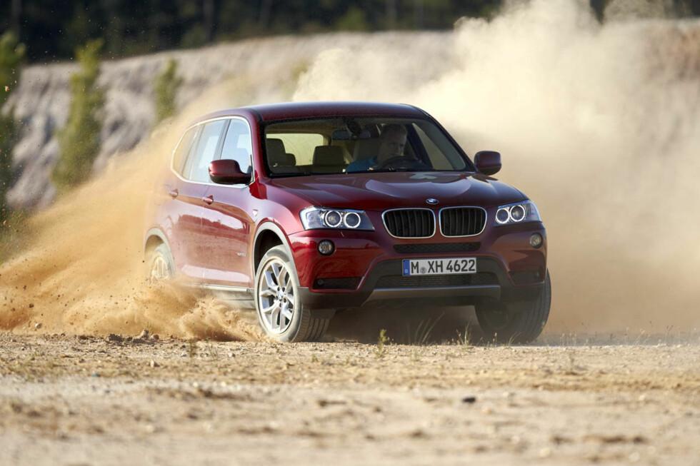 X3 blir en litt annen bil med bakhjulsdrift, men den blir også vesentlig billigere. Bildene viser X3 xDrive. Foto: BMW