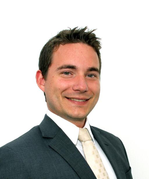 Johannes Stenwig i Nordea vil heller at du tar i bruk mobilbanken. Foto: Nordea
