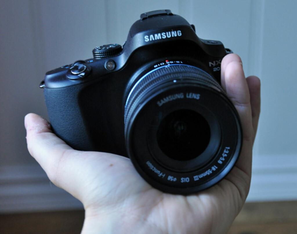 image: Samsung NX20