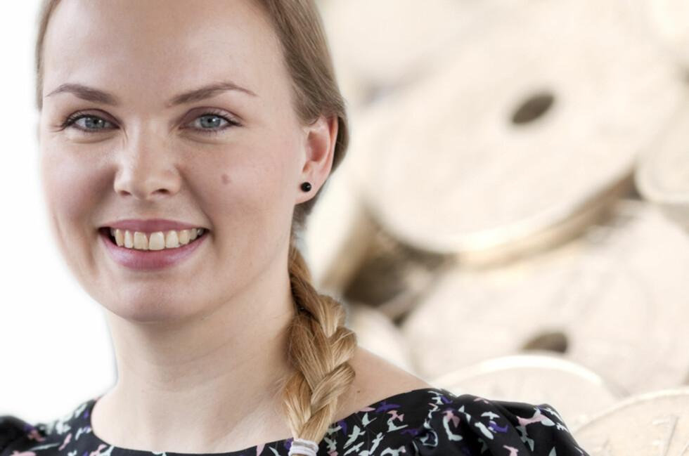 Kommunikasjonsrådgiver Christin Dammen i Lånekassen har igjen et historisk lavt tilbud til studielånskundene. Foto: Jannecke Sanne Normann/Colourbox, montasje: DinSide