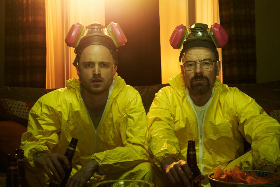 METH-TV: Breaking Bad hadde premiere i januar 2008 og foreløpig har det blitt produsert fem sesonger. På bildet ser du kjemilæreren Walter White (Bryan Cranston) sammen med sin tidligere meth-samarbeider Jesse Pinkman (Aaron Paul). Foto: Frank Ockenfels/AMC