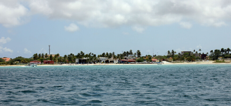 Aruba sett fra havet. Foto: Silje Ulveseth