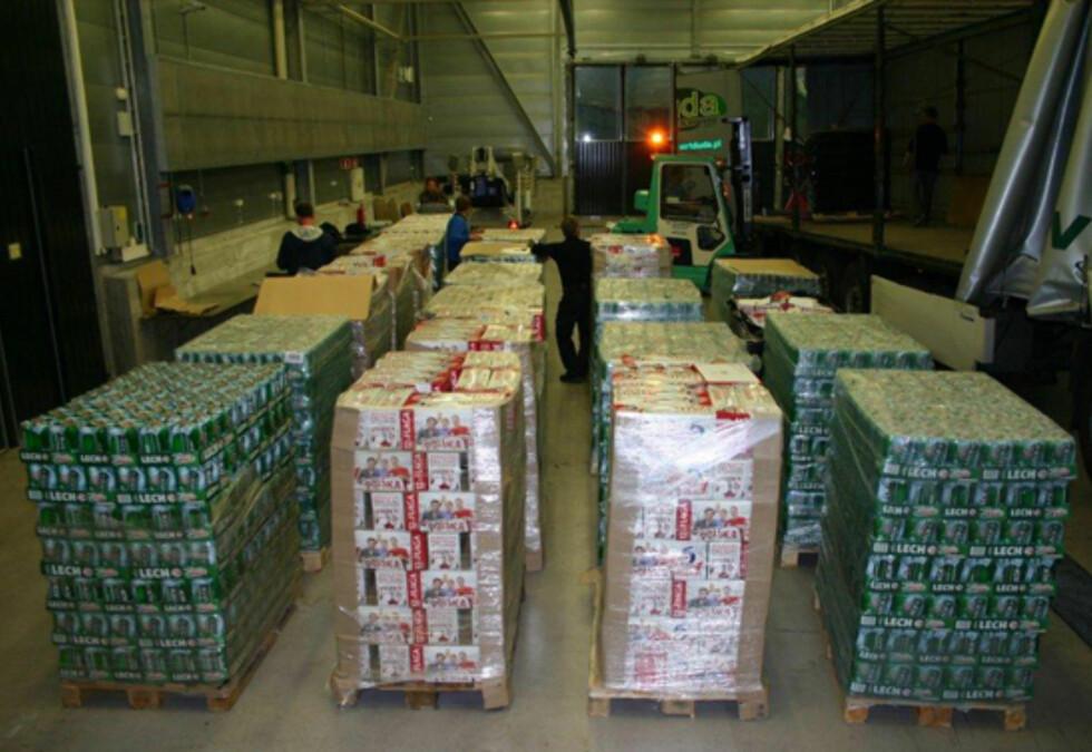 FORSØKT SMUGLET: Øl.  Foto: Tollvesenet