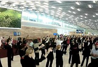 Flash mob på nye Charles de Gaulle