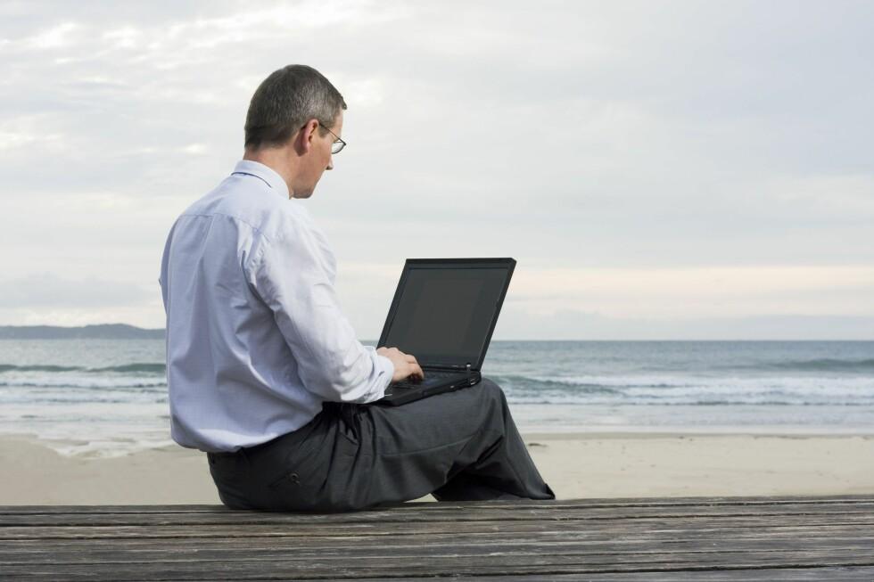Kjenner du deg igjen? Teknologien gjør det lettere å jobbe når og hvor som helst, også i løpet av ferien. Foto: Alloverpress