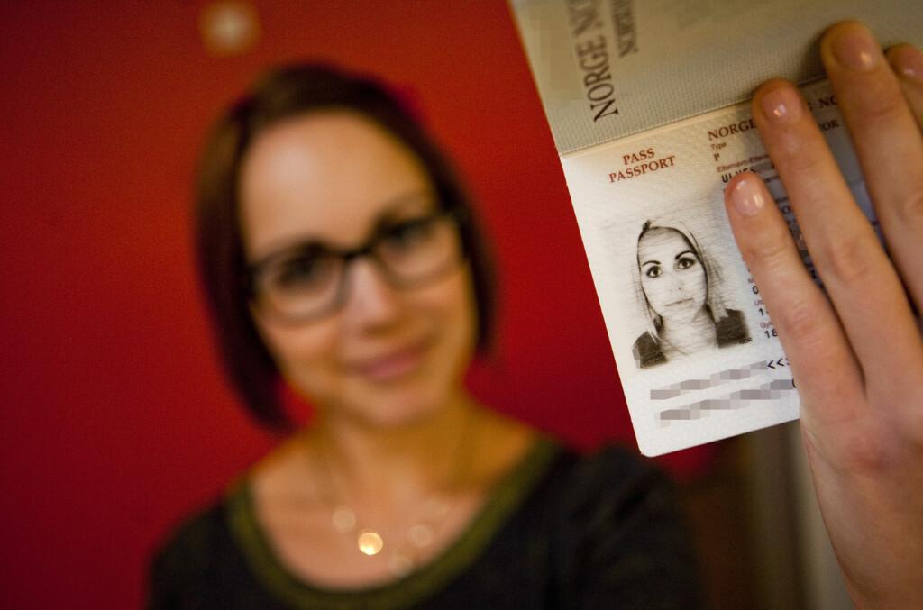 <b>LIGNER DU IKKE PÅ PASSET DITT?</b> Smileforbudet kan være årsaken. Foto: Per Ervland