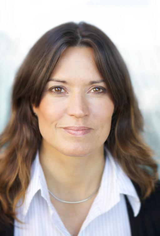 MÅ SJEKKE: Kommunikasjonsrådgiver Ann Hege Skogly i Forbrukerrådet understreker at verkstedet må påvise at feilen faktisk skyldes kunden; ikke anta det.  Foto: FORBRUKERRÅDET