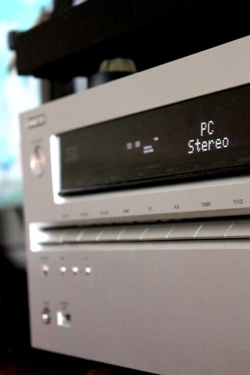 LYD: Å koble PC-en på TV-en er bare halve jobben, om du ønsker å få skikkelig utbytte av det. Pass også på å få lyden ut av stereoanlegget, om du har et.  Foto: Ole Petter Baugerød Stokke