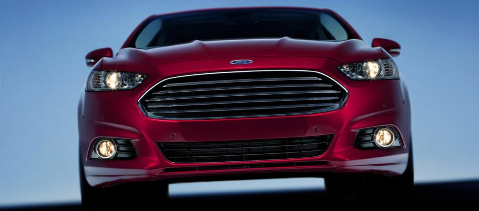 Det er neste generasjon Ford Mondeo, som skal lanseres til neste år, som får æren av å være først ute med de oppblåsbare bilbeltene. Foto: Wieck