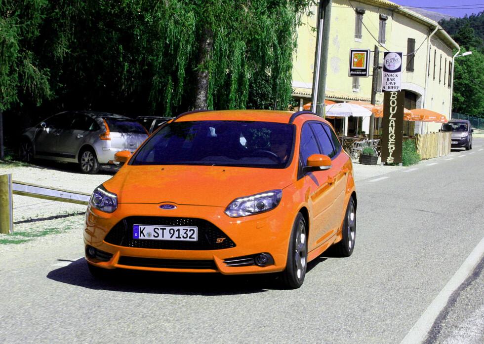 Til og med Ford-menneskene kan komme til å bli overrasket over hvor fort det kan gå når det gjelder nye ST og hvordan den presenterer seg selv. Her: Stasjonsvognen. Foto: Knut Moberg
