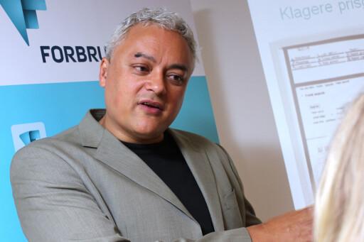 INGEN SELVFØLGE: Fagdirektør Jorge Jensen i Forbrukerrådet mener bankene tar det som en selvfølge at PIN-koden har vært sammen med kortet. Det vil han ha en slutt på.  Foto: Ole Petter Baugerød Stokke