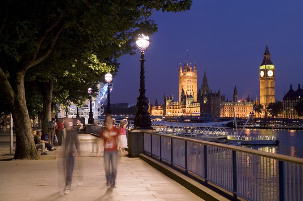 FÅR NYTT NAVN: Klokketårnet er et av Londons mest kjente landemerker, og de opplyste urskivene gjør tårnet ekstra spektakulært nattestid. Foto: Britain on View
